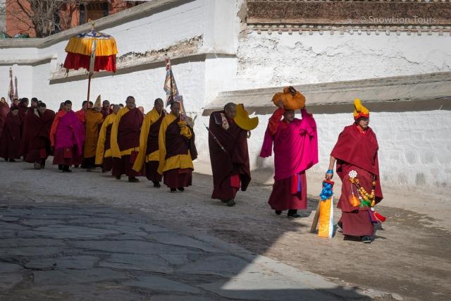 Monastyrskaya processiya, Rebkong, Amdo, Eastern Tibet